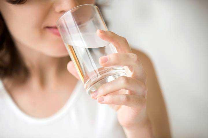 آب نوشیدن - آبرسانی به پوست