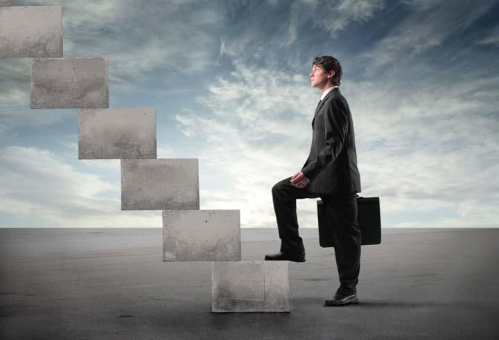 عدم وجود نردبان شغلی از فواید بازاریابی شبکه ای