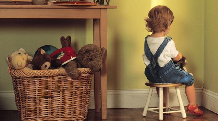 لجبازی کودک - متوجه کردن کودک لجباز به رفتار اشتباه خود