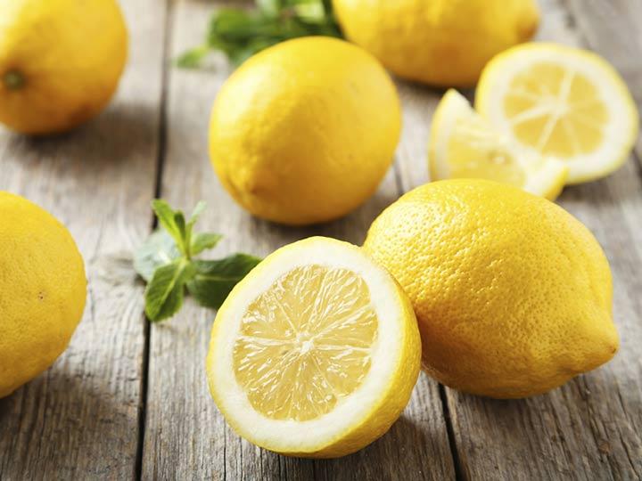 لیموی تازه برای از بین بردن بوی سیر