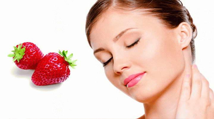 برای درمان جوش سرسفید از توت فرنگی استفاده کنید
