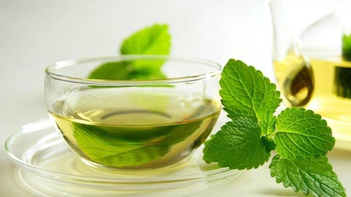 چای نعناع و چای سبز - از بین بردن بوی سیر