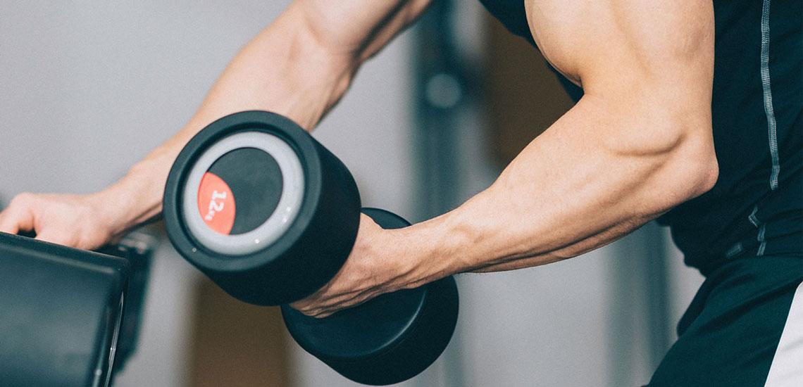 تقویت عضلات بازوها و شانه با ۲۰ نکتهای که دستان شما را قدرتمند میسازد