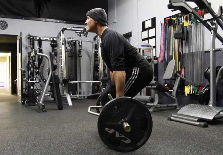 چاق شدن در یک هفته - تمرینات قدرتی برای افزایش وزن و عضله سازی موثر است.