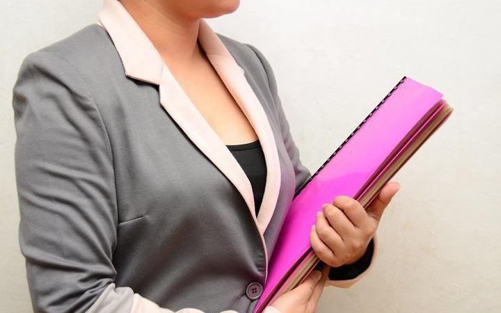 برای دستیابی به ارتقای شغلی یک پروندهی قدرتمند در مورد موفقیتهای خود تشکلیل دهید.