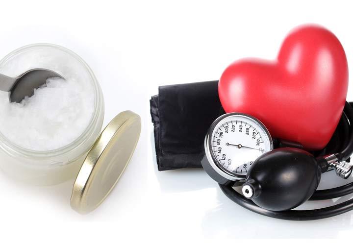 خواص روغن نارگیل - روغن نارگیل به کاهش کلسترول خون و سلامت قلب کمک می کند.