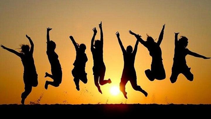 دوستان شاد و پرنشاط - زندگی شاد