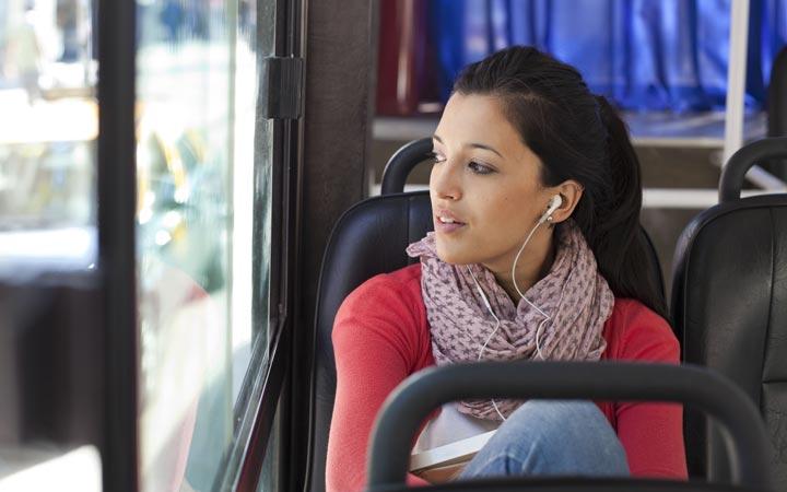 شنیدن منفعلانه - تقویت مهارت شنیداری زبان انگلیسی