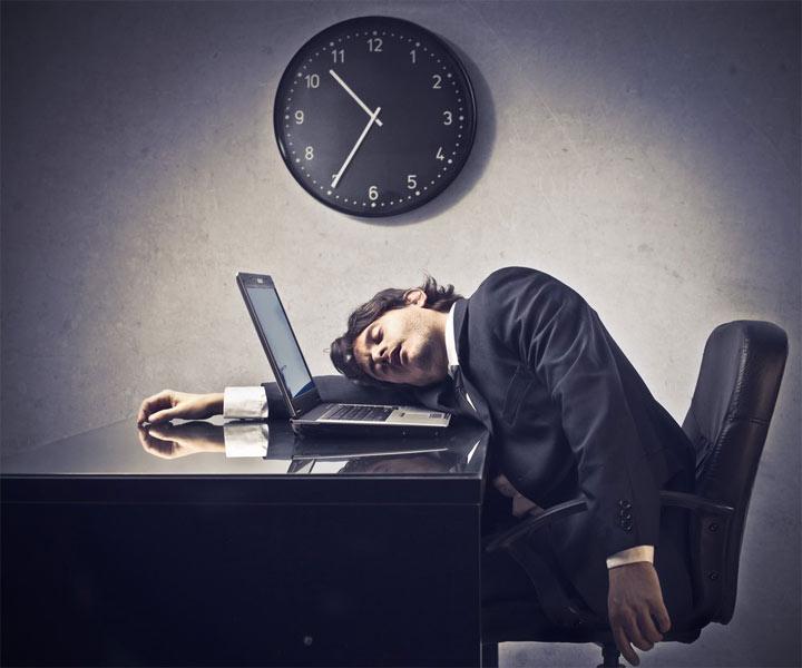 عواقب کمبود خواب - خواب آلودگی و خستگی هنگام صبح