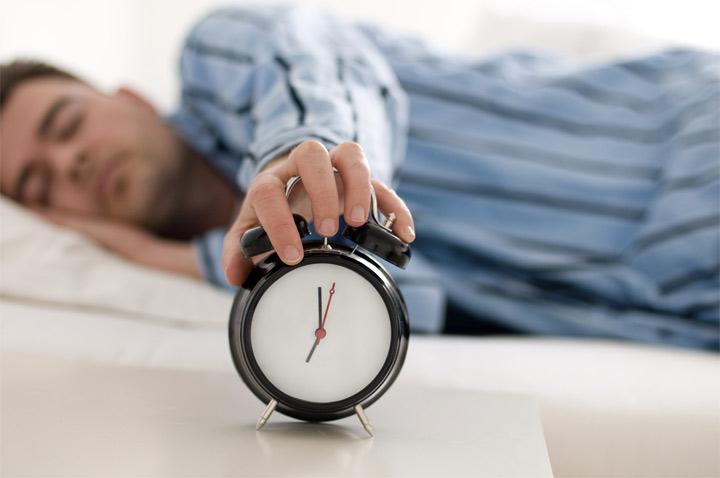خواب آلودگی و خستگی هنگام صبح - آیا دیشب دیر خوابیدید؟