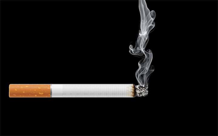 سیگار کشیدن و علت جوش صورت