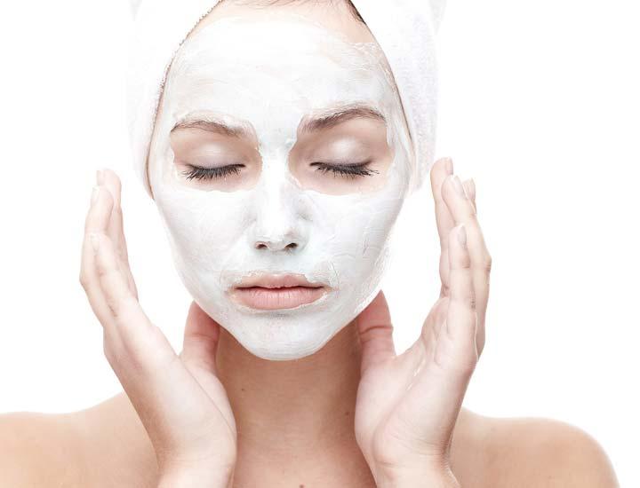 استفاده از لایهبردار - چگونه پوستی جوان داشته باشیم