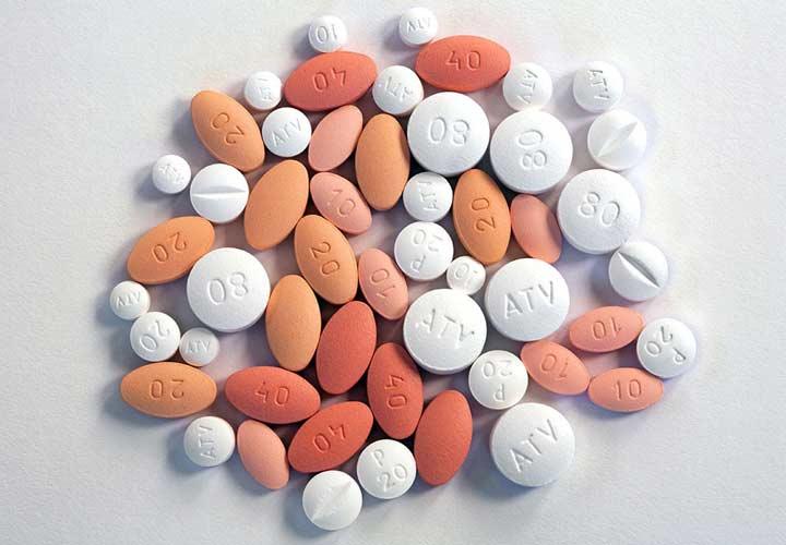 استاتین ها رایج ترین داروها برای درمان چربی خون هستند.