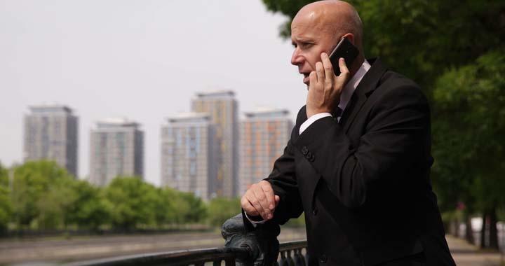 متقاعد کردن افراد در مذاکره تلفنی