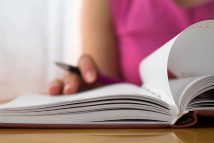 مطالعه کتاب فیزیک - روش مطالعه درس فیزیک
