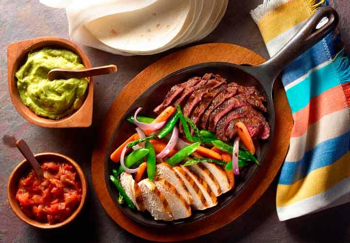 گوشت و جگر گاو و سینه مرغ سرشار از نیاسین هستند.