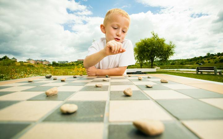 بازی کردن تمرکز را افزایش می دهد - راههای بالا بردن تمرکز در کودکان