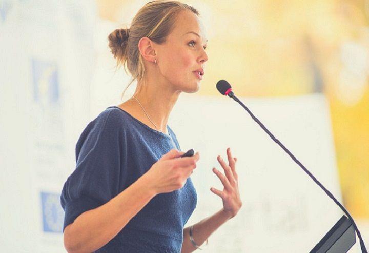 فن بیان - از ترفندهای زبان بدن استفاده کنید