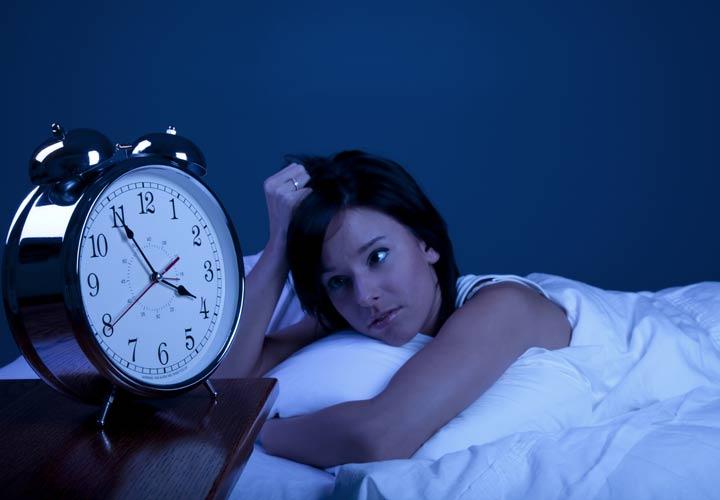 علت چاقی شکم - خواب ناکافی از علت های چاقی شکم است.