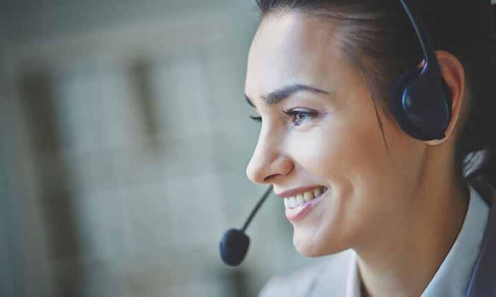 خطاب قرار دادن مشتری با نام او - فن بیان با مشتری