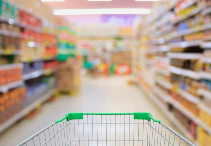 نرفتن به بخش هایی از فروشگاه که غذاهای وسوسه انگیز دارد از روش های لاغری است.