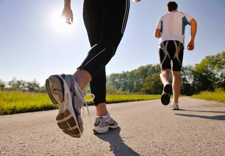 ورزش و فعالیت فیزیکی به کاهش چربی خون کمک می کند.
