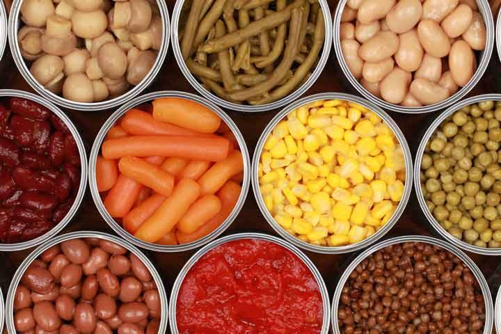 ۱۰ غذایی که هرگز نباید بخورید - غذاهای کنسروی