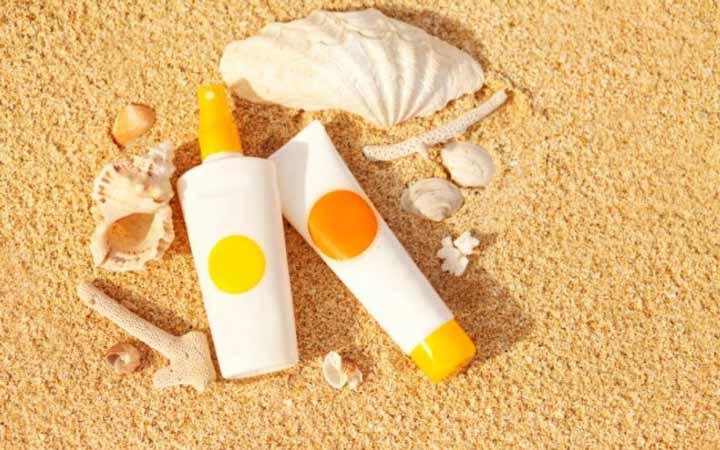 کرم ضد آفتابی تهیه کنید که از جنبه ی حفاظتی گسترده ای در برابر هر دو اشعه ی UVA و UVB برخوردار باشد - بهترین کرم ضد آفتاب