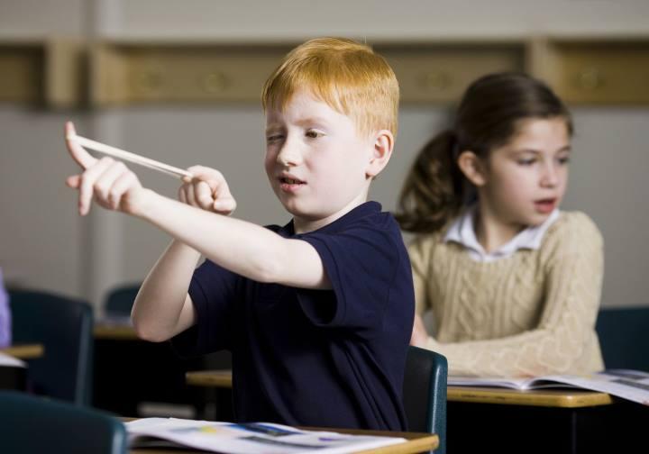 نحوه برخورد با رفتارهای نامناسب دانش آموزان - زبان بدن در تدریس