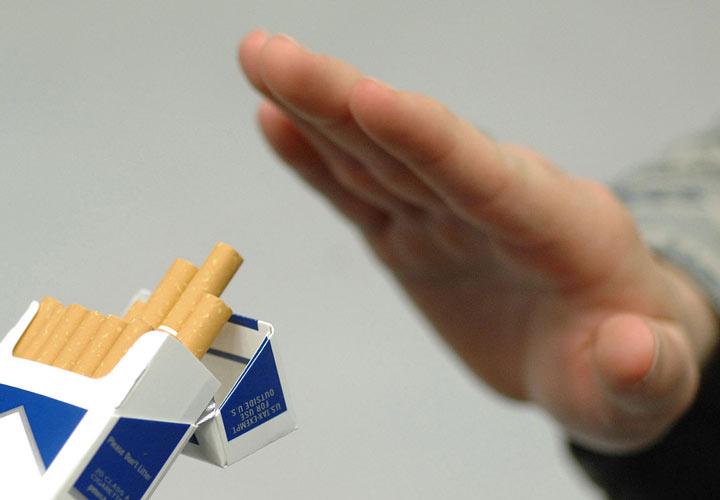 ترک سیگار و نوشیدنی های الکلی احتمال بروز زوال عقل را کاهش می دهد.