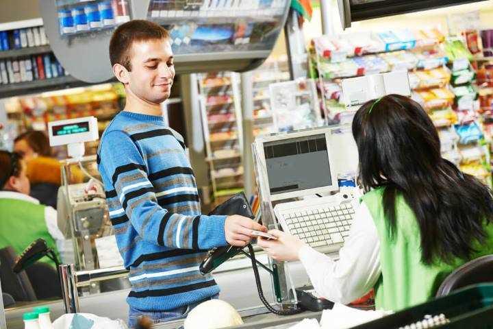 قرار دادن کالاها در معرض دید مشتریان برای فروش متقاطع