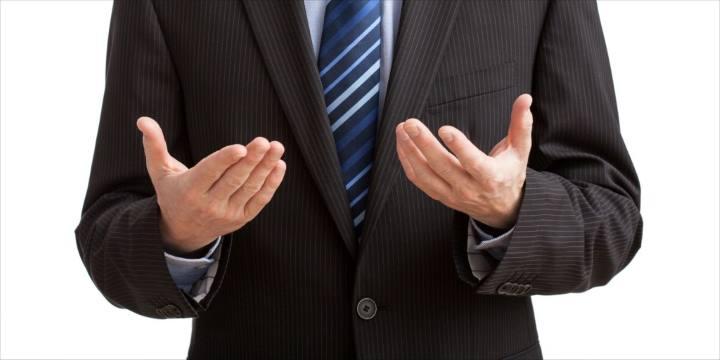 استفاده از دست ها یکی از ترفندهای زبان بدن در تدریس