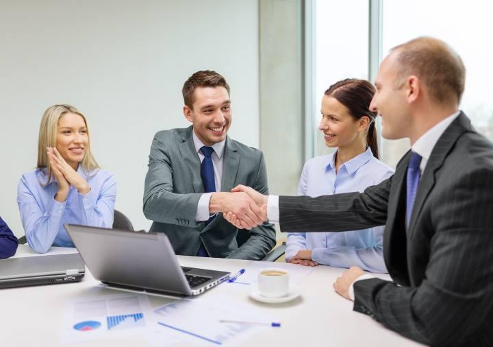 کارکنان ارزشمندی که برای شرکت مزیت رقابتی به شمار می آیند - مزیت رقابتی چیست