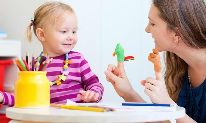 رفتار درمانی - بازی درمانی با رویکرد رفتار درمانی شناختی می تواند برای درمان اختلالات کودکان مورد استفاده قرار بگیرد