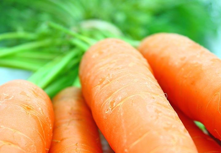 داشتن ویتامین ها و مواد معدن مختلف از خواص هویج است.