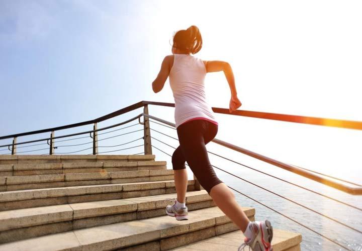 چرا با اینکه ورزش میکنید عضله سازی اتفاق نمیافتد - انجام زیاد تمرینات هوازی مانعی بر سر راه عضله سازی است.