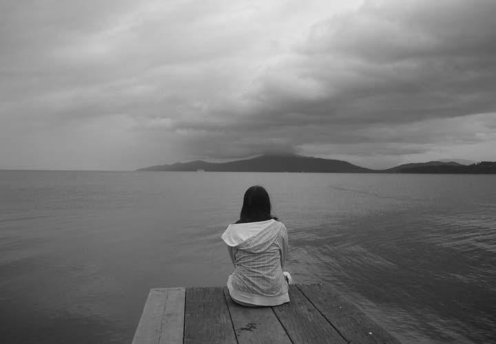 افزایش احتمال بروز افسردگی از مضرات فست فود است.