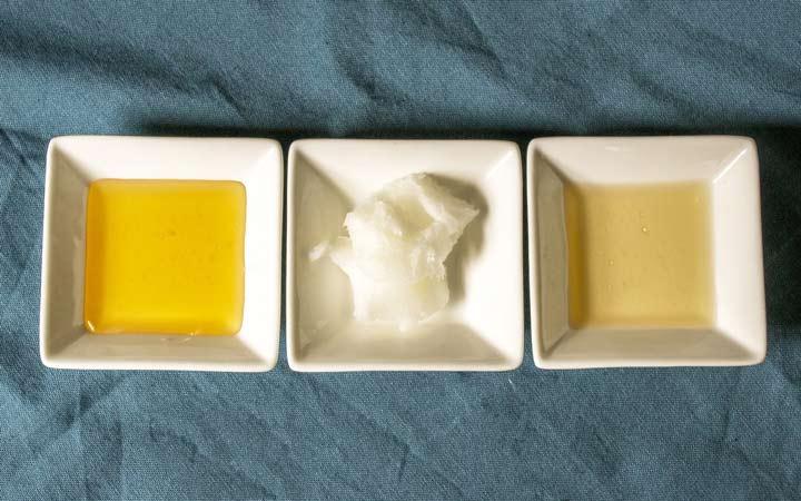 یک قاشق غذاخوری عسل را با یک قاشق چایخوری سرکهی سیب و یک قاشق چایخوری روغن نارگیل مخلوط کنید - فواید عسل برای پوست