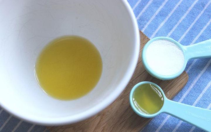 ترکیب عسل و جوش شیرین هم میتواند پوست شما را پاکسازی کند - فواید عسل برای پوست