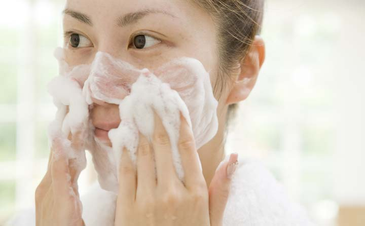 مراقبت از پوست در پاییز با پاککننده مناسب