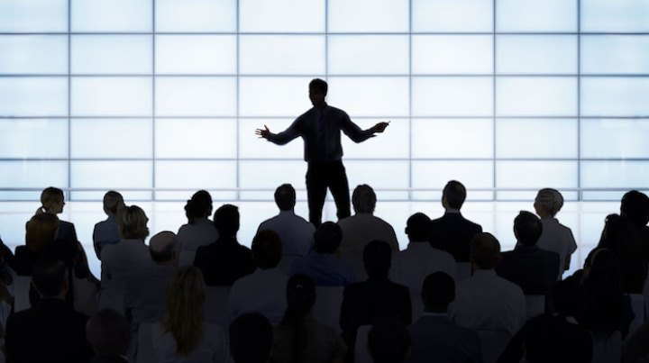 سخنرانی در جمع - بیان احساس