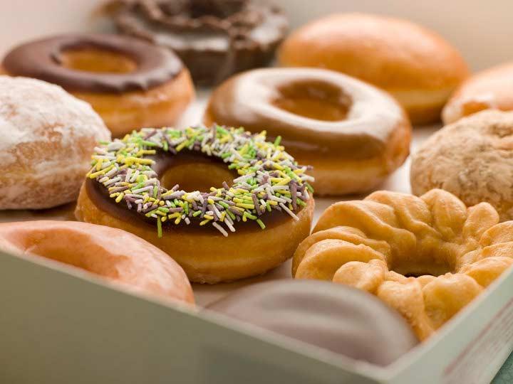 مواد غذایی مضر برای مغز، دونات، غذاهای سرخ شده