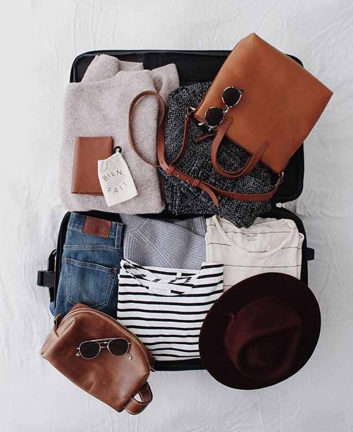 وسایل مورد نیاز سفر - پوشیدنیها از وسایل ضروری سفر هستند.