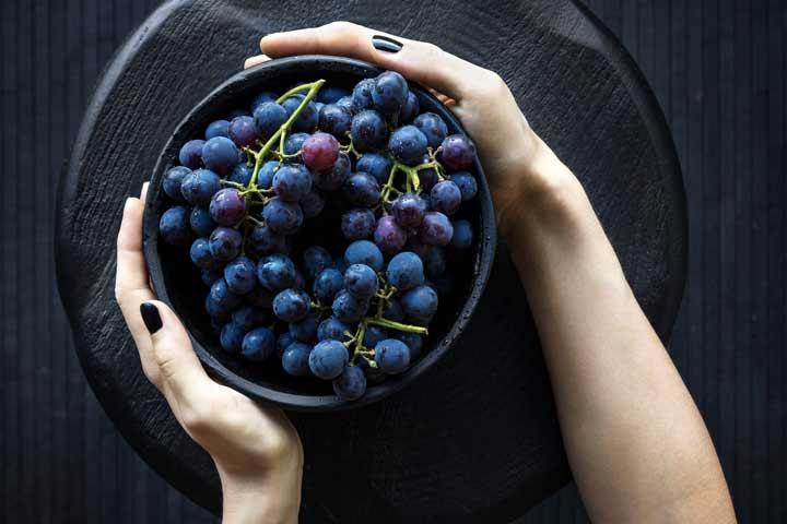 تغذیه مناسب برای تقویت حافظه - انگور قرمز
