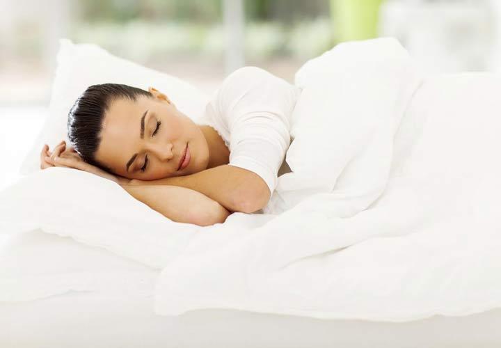 خواب کافی و باکیفیت به جربی سوزی شکم کمک می کند.