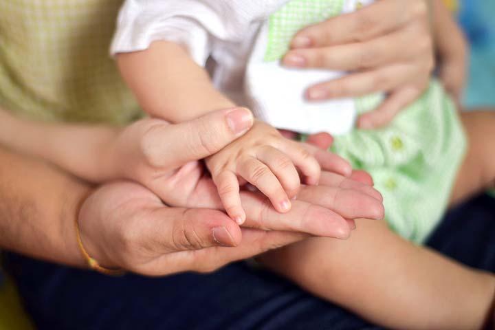 دست والدین و فرزند
