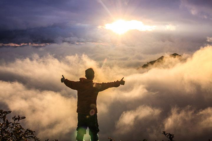 نترس از اینکه تسلیم خوبی شوی، وقتی قرار است به چیزی عالی برسی.