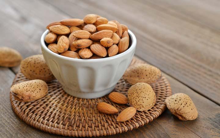 خواص بادام - طریقهی مصرف بادام