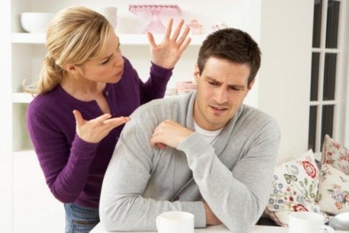 از عباراتی که شریک زندگی شما را با دیگران مقایسه میکند استفاده نکنید