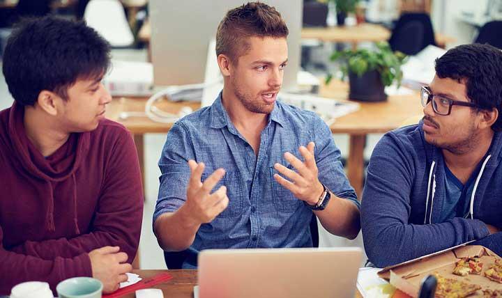 ایده های استارتاپی - با افراد مختلف صحبت کنید